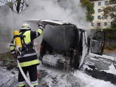 Brand – PKW vor dem Marienheim